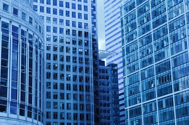 5 reasons why to invest in CRE instead of stocks