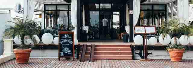 Common Features Of Quick Service Restaurant