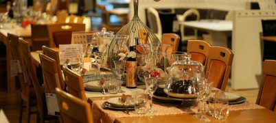 What investors should look for when investing in casual and budget dining STL's
