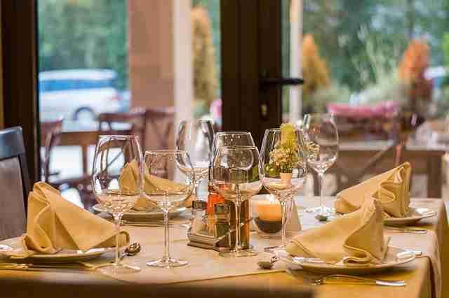 rastaurant table