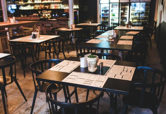 investing in restaurants industry