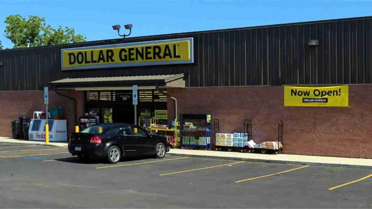 romance-arkansas-dollar general